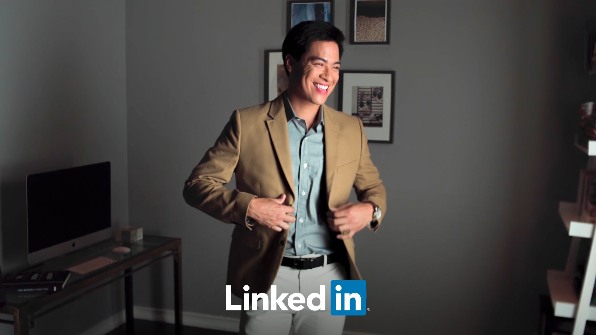 LinkedIn Profile Photo Tips