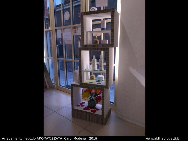 Arredamento Negozi Modena.Arredamenti Negozio In Cartone